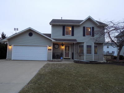 Pleasant Prairie Single Family Home Active Contingent With Offer: 3351 124th St