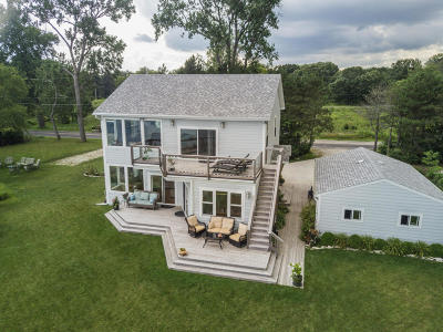 Pleasant Prairie WI Single Family Home For Sale: $749,000