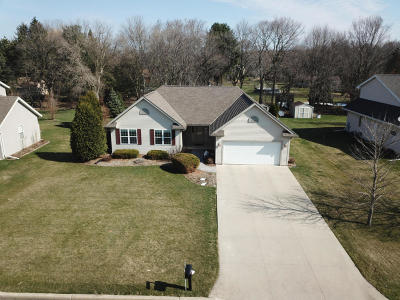 Jefferson County Single Family Home For Sale: N7860 Maple Ridge Rd