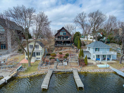 Oconomowoc Single Family Home Active Contingent With Offer: W351n5422 Lake Dr