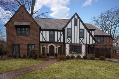 Whitefish Bay Single Family Home For Sale: 4875 N Lake Dr