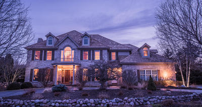 Pewaukee Single Family Home Active Contingent With Offer: W302n3117 Windrush Cir