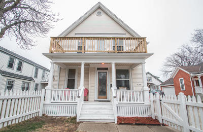 Milwaukee Single Family Home For Sale: 2544 S Shore Dr