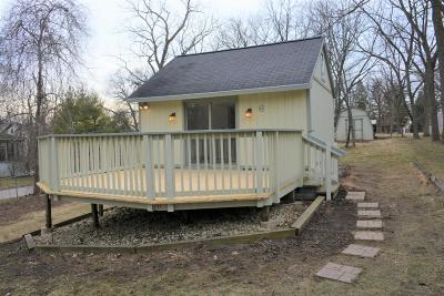 Williams Bay Single Family Home For Sale: 6 Johnson Ter