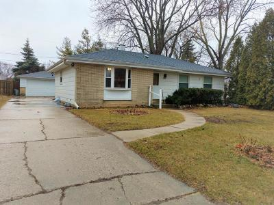 South Milwaukee Single Family Home Active Contingent With Offer: 1423 Sherman Ave