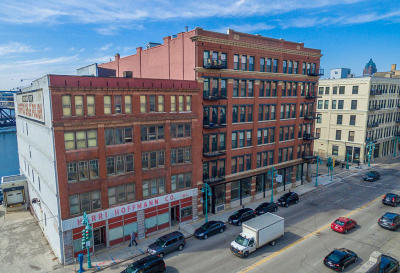 Milwaukee Condo/Townhouse Active Contingent With Offer: 141 N Water St #63