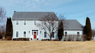 Brookfield Single Family Home For Sale: 970 Wild Rose Ct