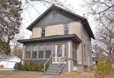 Mukwonago Single Family Home For Sale: 212 Franklin St