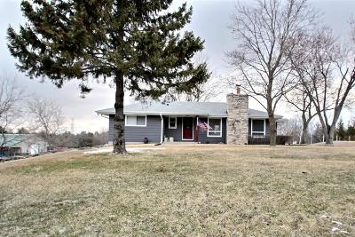 Hartland Single Family Home Active Contingent With Offer: N76w29010 County Road Vv