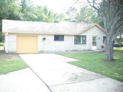 Oak Creek Single Family Home For Sale: 2319 W Rawson