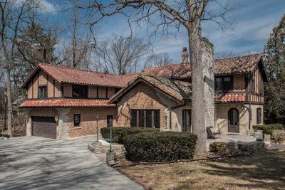Waukesha County Single Family Home Active Contingent With Offer: 1175 Upper Ridgeway