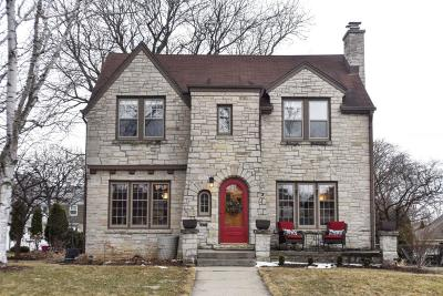 Milwaukee County Single Family Home Active Contingent With Offer: 9027 Jackson Park Blvd