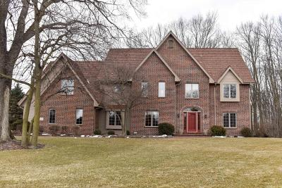 Brookfield Single Family Home For Sale: 2760 Lancaster Ct