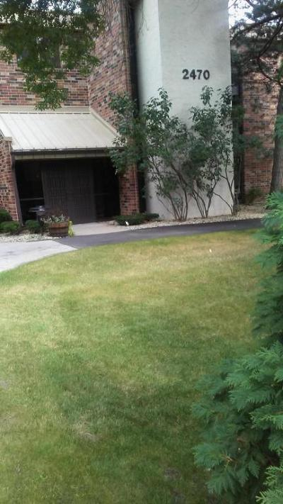 Milwaukee County Condo/Townhouse For Sale: 2470 W Good Hope Rd #162