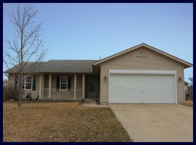 Jefferson County Single Family Home Active Contingent With Offer: 220 Stonefield Dr
