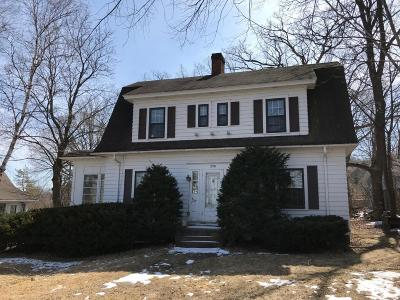 Pewaukee Single Family Home For Sale: 238 Prospect Ave