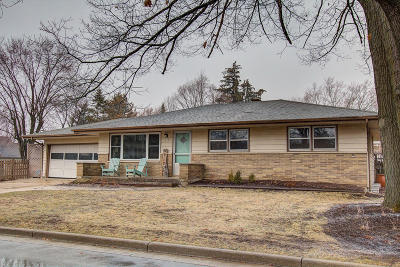 Waukesha County Single Family Home Active Contingent With Offer: 618 E Madison St.
