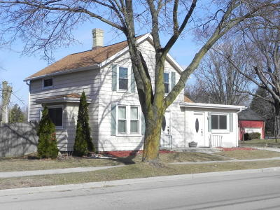 Ozaukee County Single Family Home Active Contingent With Offer: 205 N Mill St