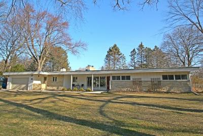 Waukesha County Single Family Home Active Contingent With Offer: 15200 Westover Dr