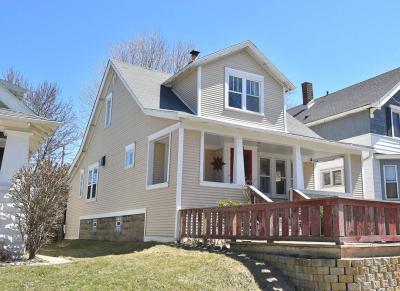 Milwaukee WI Single Family Home For Sale: $249,000