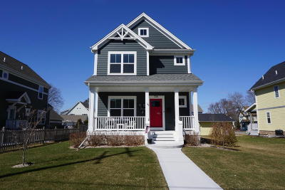 Waukesha Single Family Home For Sale: 326 N West Ave