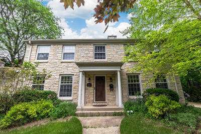 Menomonee Falls Single Family Home For Sale: N87w15750 Kenwood Blvd