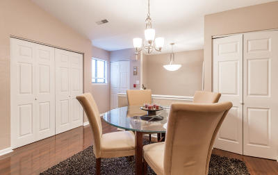 Muskego Condo/Townhouse Active Contingent With Offer: W194s7823 Overlook Bay Rd #6D