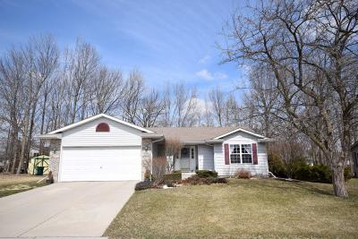 Jackson Single Family Home Active Contingent With Offer: N163w20130 Ash Dr