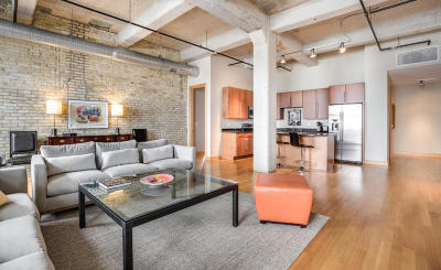 Milwaukee Condo/Townhouse Active Contingent With Offer: 239 E Chicago St #607