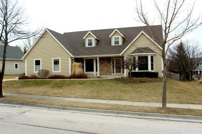 Ozaukee County Single Family Home Active Contingent With Offer: N31w7284 Lincoln Blvd