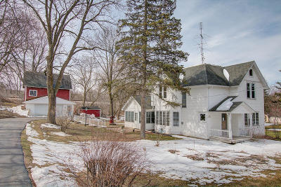 Nashotah Single Family Home Active Contingent With Offer: N44w33137 Watertown Plank Rd
