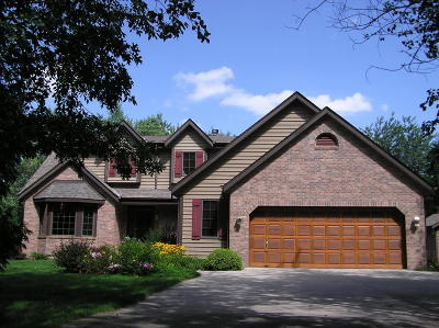 Mukwonago Single Family Home Active Contingent With Offer: W294s6890 Valley Woods Pass
