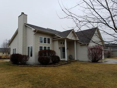 Racine Single Family Home Active Contingent With Offer: 5420 Sunshine Ln