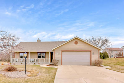 Washington County Single Family Home Active Contingent With Offer: N102w17332 Lone Oaks Dr