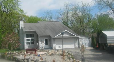 Slinger Single Family Home Active Contingent With Offer: 380 Kettle Moraine N Dr