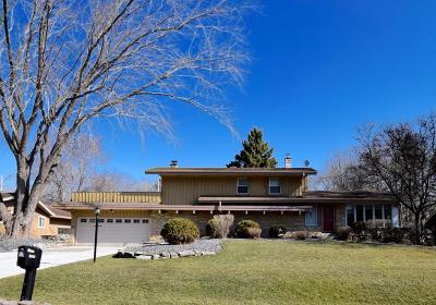 Glendale Single Family Home Active Contingent With Offer: 1850 W Greenwood Rd