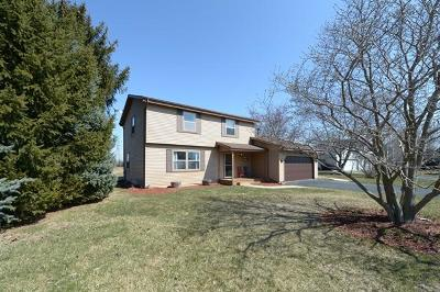 Racine Single Family Home Active Contingent With Offer: 2610 Stonebridge Dr