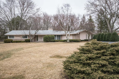 Brookfield Single Family Home Active Contingent With Offer: 15860 Raven Rock Rd