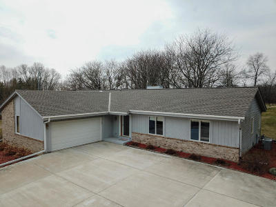Mukwonago Single Family Home For Sale: W269s9155 Karlstad Dr