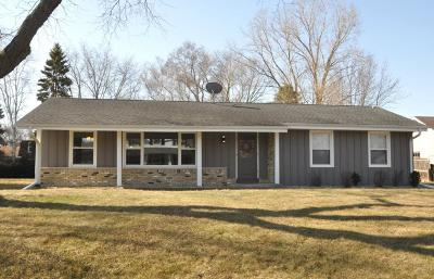 Racine Single Family Home Active Contingent With Offer: 1129 Palamino Dr