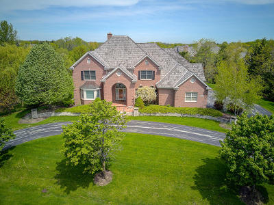 Mequon Single Family Home For Sale: 3824 W Stonefield Rd