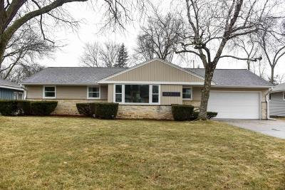 Wauwatosa Single Family Home Active Contingent With Offer: 1045 N 120th St