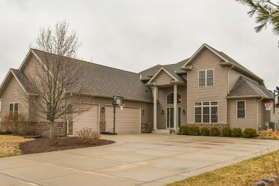 Waukesha County Single Family Home Active Contingent With Offer: 750 Pinehurst Dr