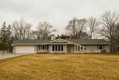 Hales Corners Single Family Home For Sale: 12154 N Ridge Trl