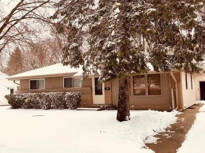 Waukesha County Single Family Home Active Contingent With Offer: 1471 S Grand Ave