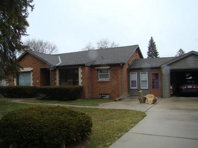 Greenfield Single Family Home Active Contingent With Offer: 5350 S Tuckaway Dr