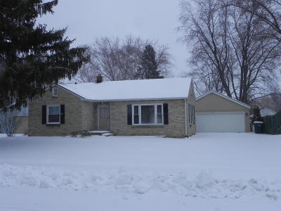 Ozaukee County Single Family Home Active Contingent With Offer: 1012 13th Ave