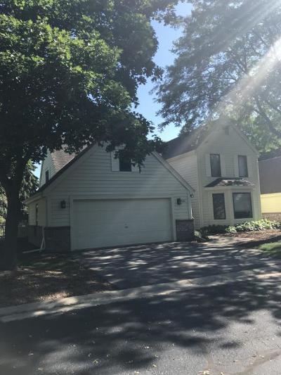 Greendale Condo/Townhouse For Sale: 5487 Wintergreen Ct