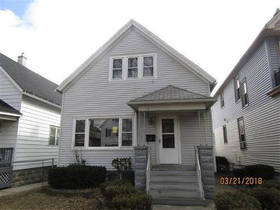 Milwaukee Single Family Home For Sale: 2678 S 15th St