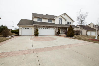 Oak Creek Single Family Home For Sale: 8929 S Pond View Dr